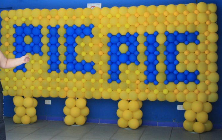Balloon Gridz - Decor, walls and more without Helium! - BGRIDZ ...